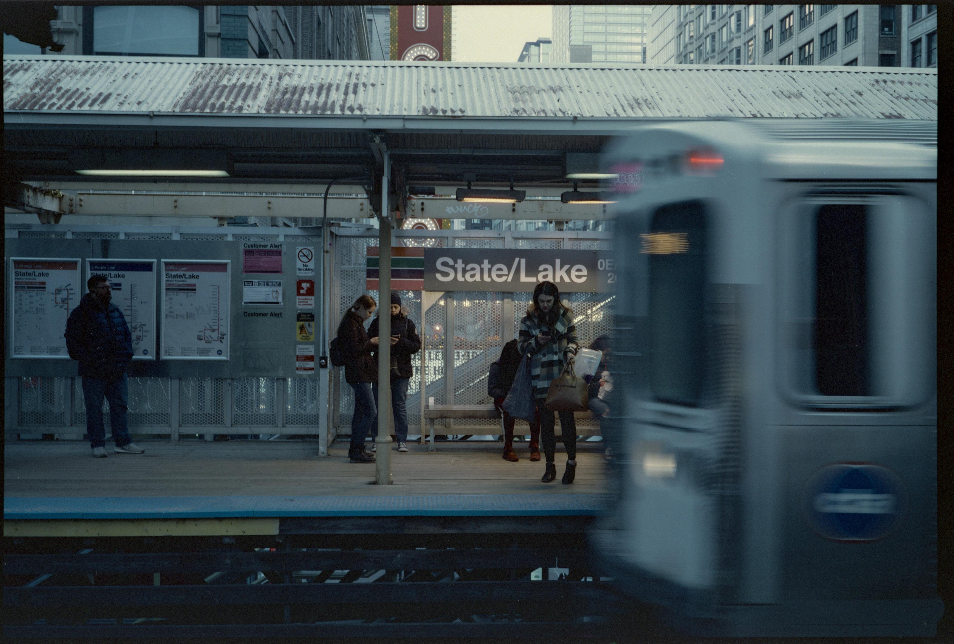 CineStill 800t 120 medium format film shot by Luis Mendoza (@luismendozamx) on the Fuji GW690ii