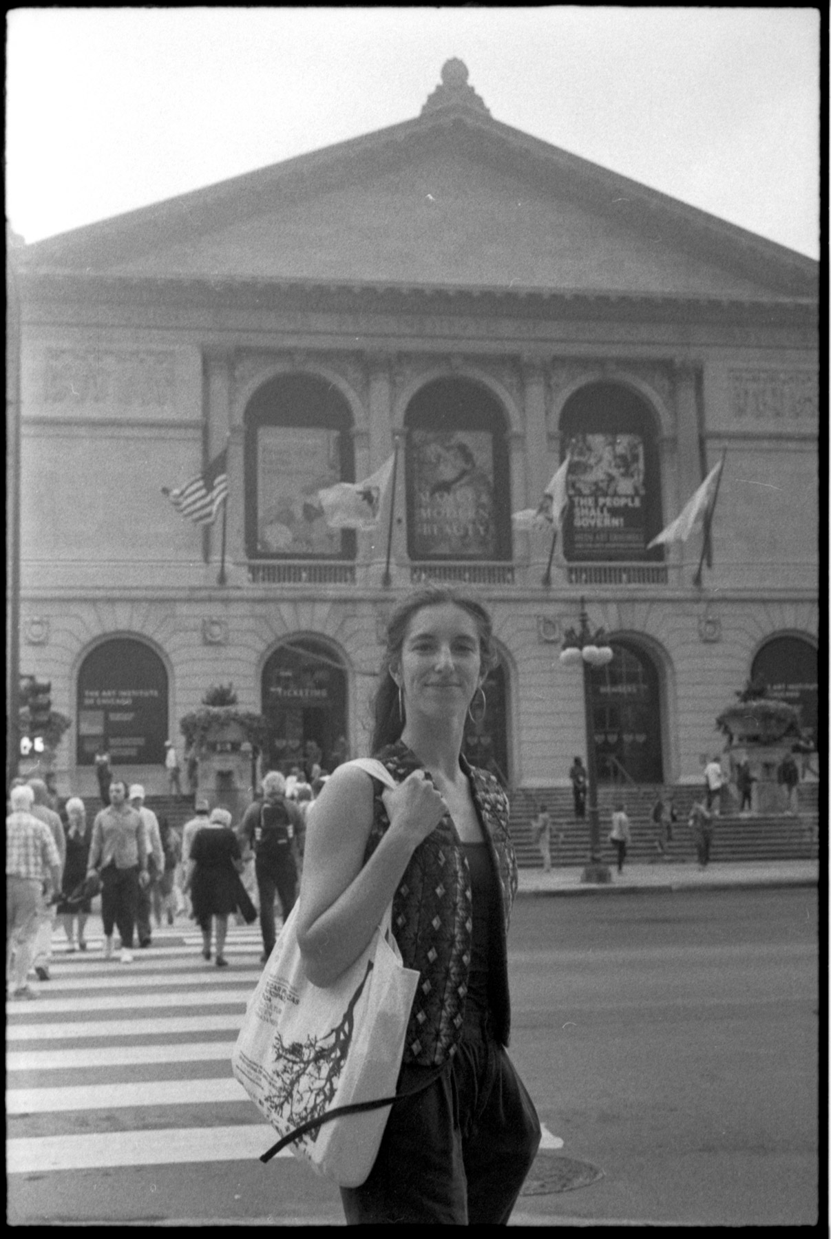 Chicago shot on Ilford HP5 400 35mm film shot by Luis Mendoza (@luismendozamx) on the Olympus 35SP
